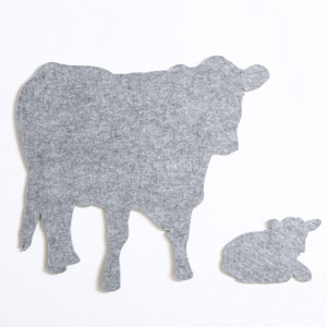 Lge Pale Grey Cow & Calf